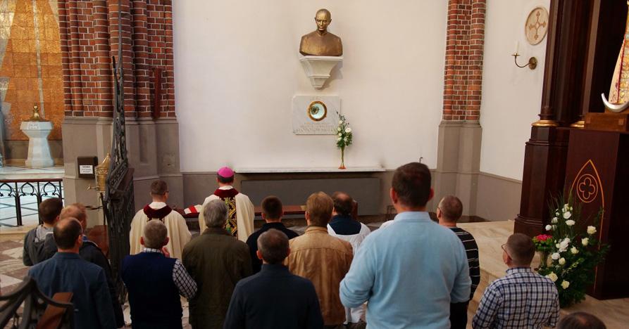 Rozpoczęcie formacji stałej. Pielgrzymka z WSD DW-P do katedry św. Floriana.